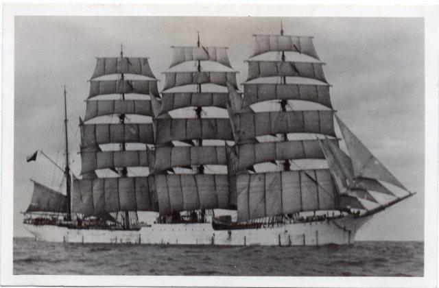 Fragata Lautaro donada a Chile por el Gobierno de Alemania el 23 de mayo de 1941.