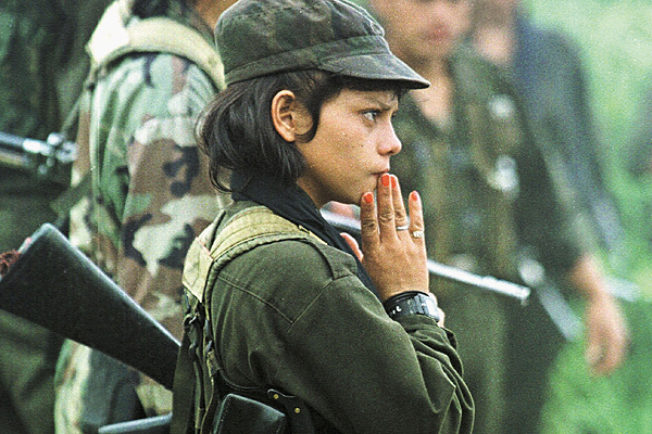 Niña guerrillera (FARC)